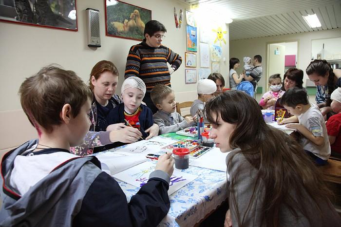 Волонтеры в НИИ Бурженко