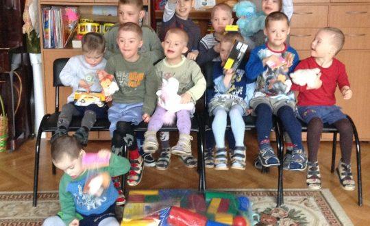 Волонтеры и дети ДДИ