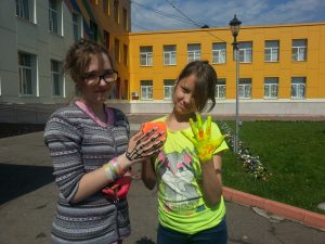 Волонтеры встречаются с детьми из приютов