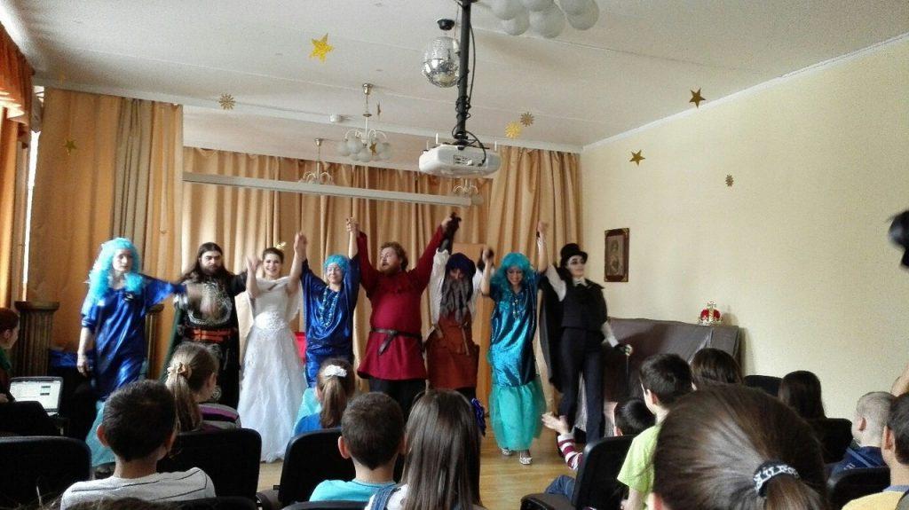 Волонтеры даниловцы в приюте