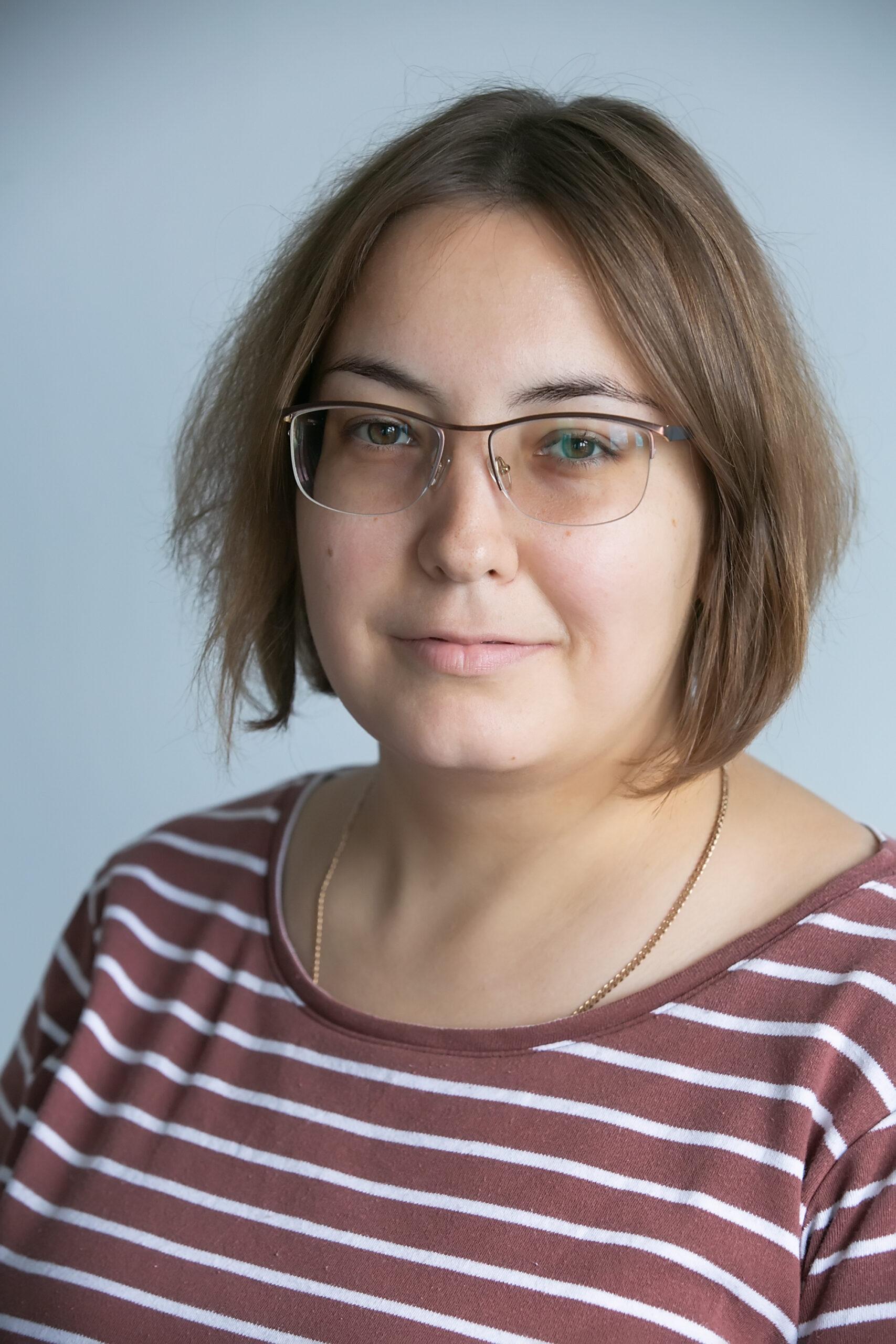Алена Характерова