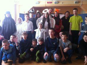 Волонтеры в детском доме для инвалидов