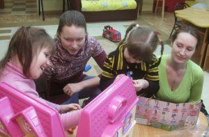 Волонтеры встречаются с детьми-сиротами